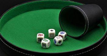 """Poker de Dados: conheça a vertente """"Dice Poker"""""""